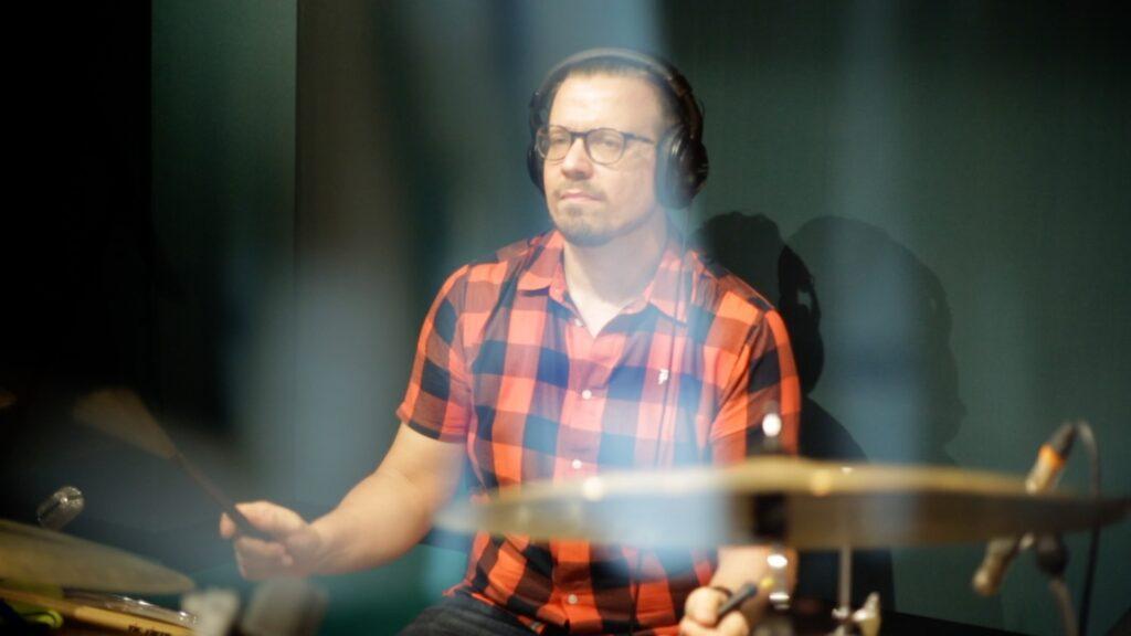 anton jarl recording day for album colours by ksenia parkhatskaya